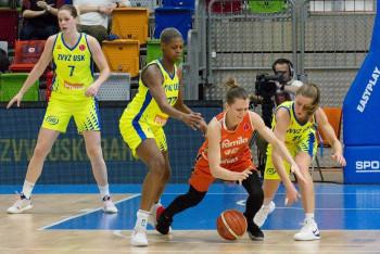 Podívejte se na obrázky z basketbalového duelu USK Praha - Schio 77:80