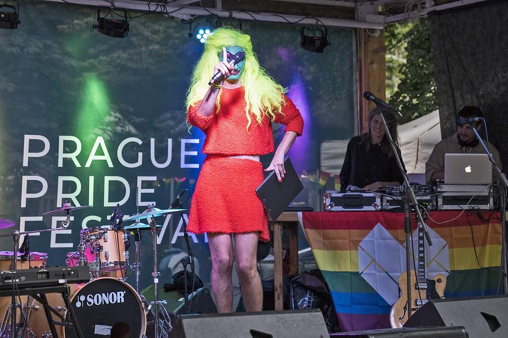 Rudovláska z Trikolory nemá jasno: Opravdu Prague Pride je o toleranci